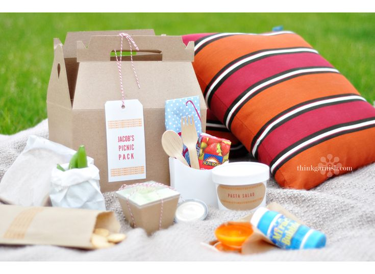 You can pack up some macaroni salad in our no soup for you bowls.  And how about some fruit or veggies in our hip 2B square bowls?  Don't forget something sweet…animal crackers in our new flat kraft bag are just the thing.  You know, our fry scoop just isn't for fries, it is perfect to hold some of our wooden cutlery, napkins and a something cool to drink.  And if you want to enjoy your book, make sure you include something fun for the kids to do!  The best thing, is that you can package it…