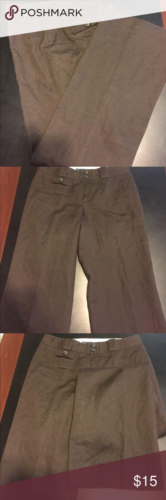 "Ladies size 2 Banana Republic Trousers size 2 Banana Republic Trousers Pre-Loved Measurements Length 40"" Waist 29"" inseam 32"" Rise 8"" Banana Republic Pants Trousers"