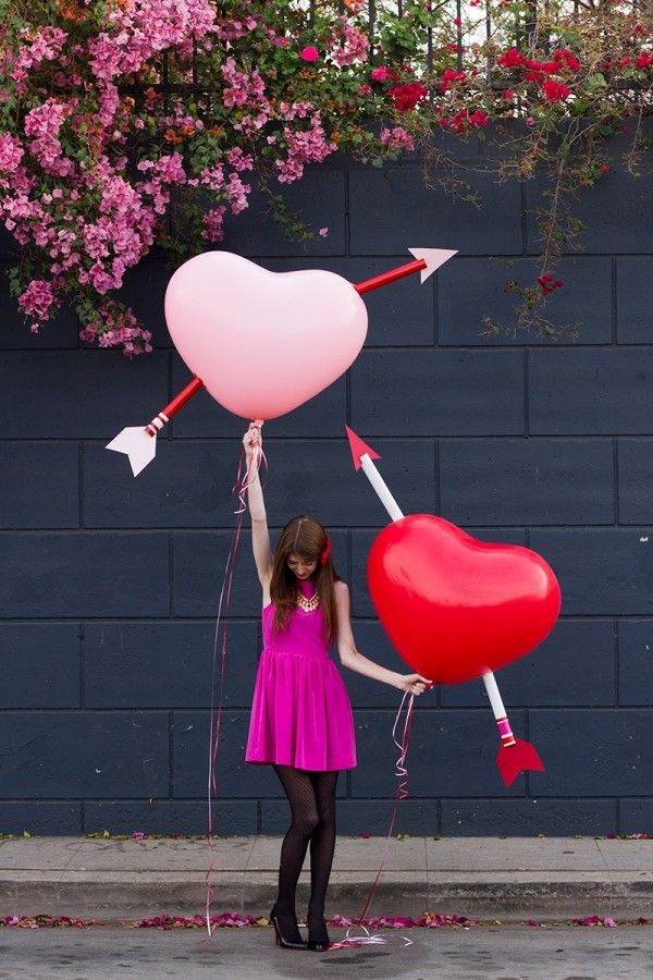 DIY Giant Cupid's Arrow Balloons for Valentine's Day | studiodiy.com
