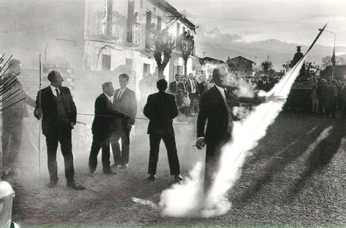One of my all time favorite photos  http://www.atgetphotography.com/Images/Photos/JosefKoudelka/koudelka17.jpg
