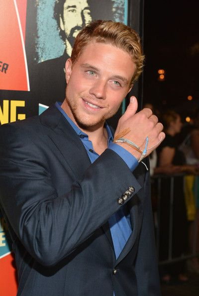 Holy hell. Jonny Weston. What. A. Babe.