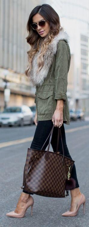 Topshop Military Coat // H&M Faux Fur Stole // Topshop Black Jeans // Christian Louboutin 'So Kate' Pumps // Louis Vuitton 'Neverfull MM' // Free People Sunglasses || Military Coat. || Mia Mia Mine #topshop