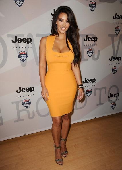 1/2 of Kimye, the lovely Kim Kardashian, in Roland Mouret.