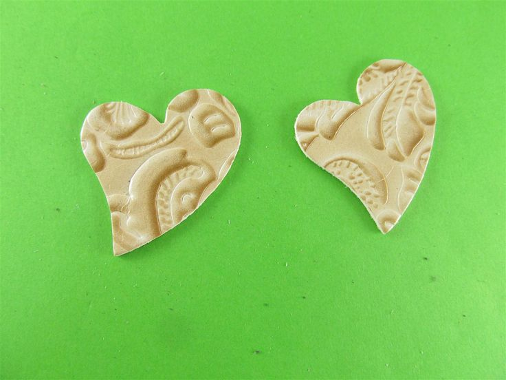 Beige embossed leather hearts 40mm (3 pcs) DIY cut leather flowers Craft supplies Jewelry materials Leather pieces