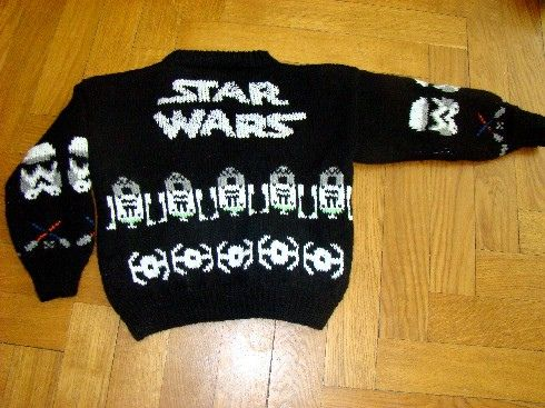 *knit* Free Star Wars knittting pattern...best Christmas sweater EVAR!!!!! Me and Cortney need to makes 4 of these so me and her and our men can wear them on a double date!