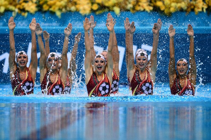 Canada, team synchronized swimming, London 2012 - tribute to USA women's soccer team - thanks, neighbors! We appreciate it!