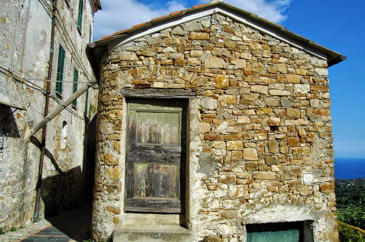 Lingueglietta, Frazione di Cipressa (IM), Borgata Villa