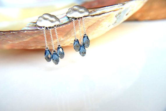 Earrings rhodium plated chains with gray blue swarovski crystal raindrops and rhodium plated clouds wedding, valentine's, mother's day. #jewelry #earrings #swarovski #grey #navyblue #montana #wedding #bridesmaid #graduation