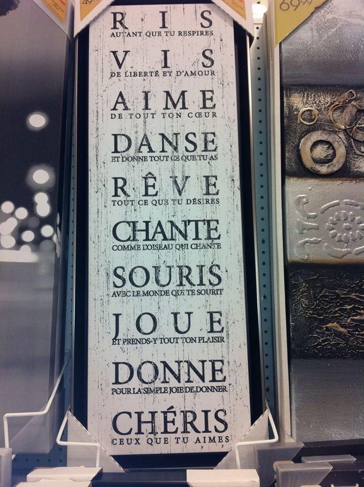 Ris Vis Aime Danse Rêve Chante Souris Joue Donne Chéris