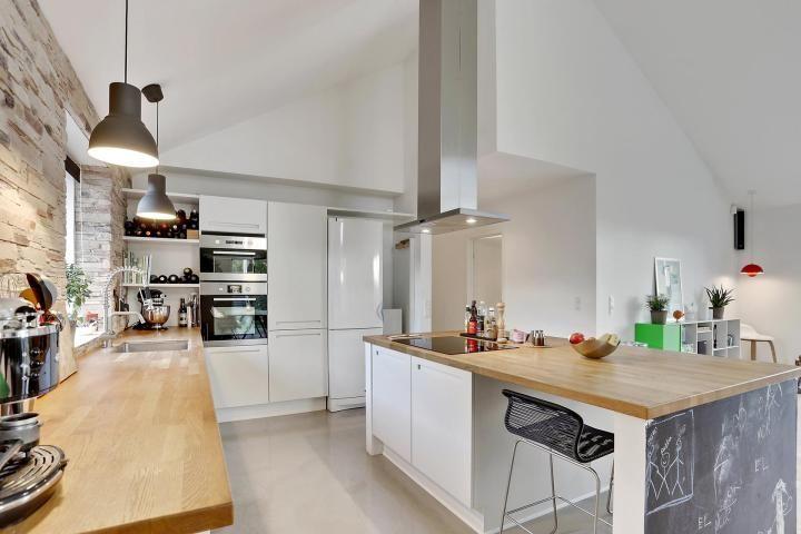 Post: Muebles y armarios bajos de cocina --> armarios bajos de cocina, blog decoración nórdica, cocina abierta, cocina diáfana, cocina nórdica, encimera de madera, estilo escandinavo, muebles cocina, nordic kitchen, white
