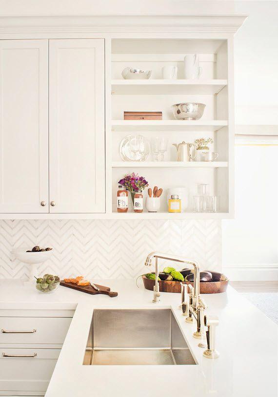 White kitchen //