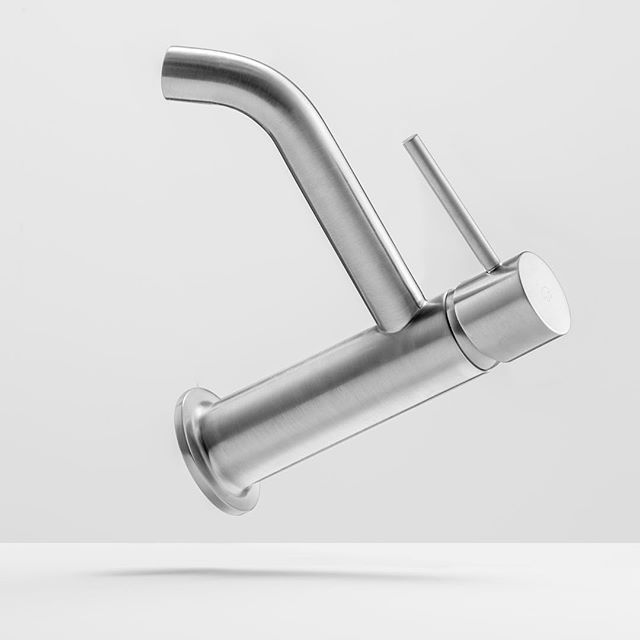 The iB Rubinetti brushed nickel finishing is not just an alternative to stainless steel. It is the best option if you look for something more than just round or square shapes. Flying shapes... For example. #ibrubinetti #nickelbrusched #stainlesssteel #shape #round #square #flyingfaucet #flyingtap #magic #madeinib #madeinitaly #passion #love #design