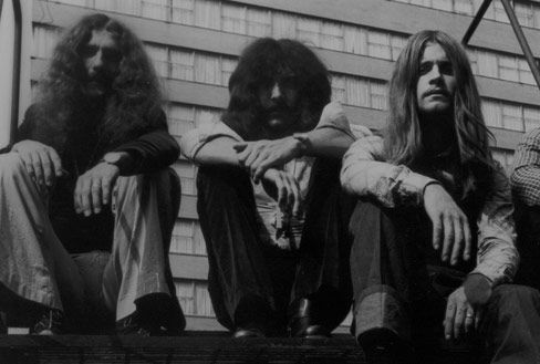 Bill Ward removed from pictures on Black Sabbath website. Much like Michael Anthony and Van Halen.