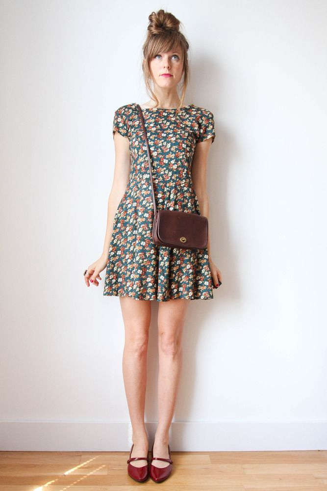 green and red floral dress with red leather pointed flats