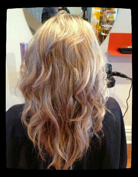 Beige blonde / natural waves #blonde #curls #styledbymia