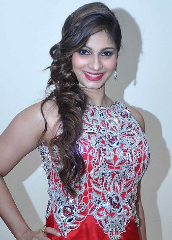 I have had a fear of performing in front of the live audience, admits Tanishaa Mukerji!