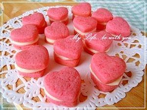 バレンタイン*いちごクッキーのホワイトチョコサンド レシピ・作り方 by ママちゃん*|楽天レシピ