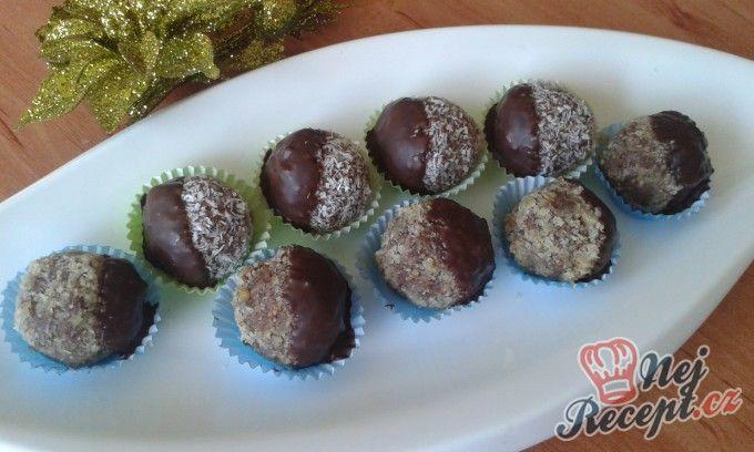 Polomáčené ořechové pralinky