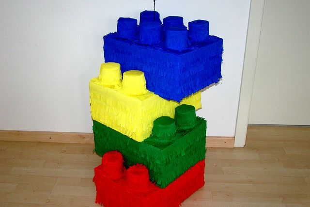 lego pinatas | Lego's :) | Flickr - Photo Sharing!