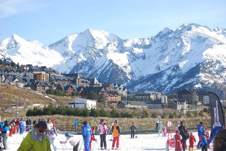 5 estaciones invernales de España para los deportes de invierno - http://vivirenelmundo.com/estaciones-invernales-de-espana/25103