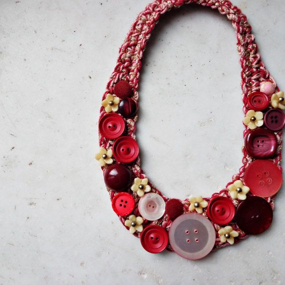Necklace with vintage buttons, crochet necklace, red necklace