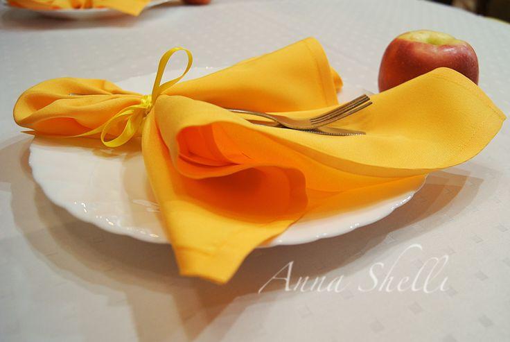 Жёлтые салфетки в оформлении свадьбы  Детали декора свадьбы