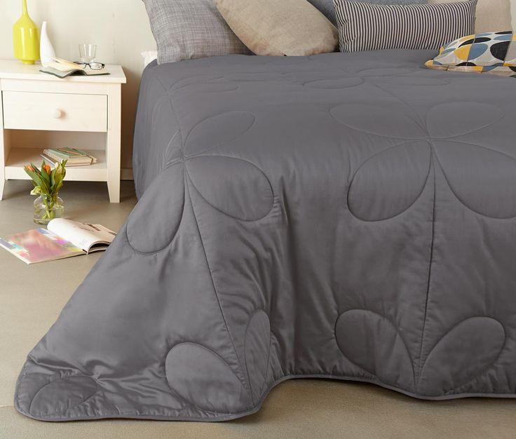 25 best ideas about bett berwurf grau on pinterest. Black Bedroom Furniture Sets. Home Design Ideas