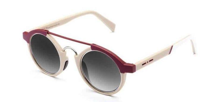 Il noto marchio di occhiali Italia Independent presenta una speciale capsule collection di modelli da sole per i 60 anni della Fiat 500. L'automobile simbolo in Italia festeggia i suoi primi 60 anni. Per celebrare l'evento il marchio eyewear Italia Independent propone due paia di occhiali bicolore che ne ricordano l'estetica. Gli occhiali da sole …