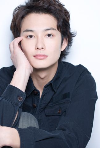 I heard that none of Masaki Okada's girlfriends made the first move to confess to him