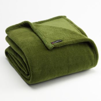 Cuddl Duds Plush Throw With Foot Pocket Gift Ideas