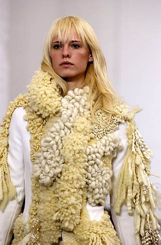// Balenciaga FW02. Art fashion.