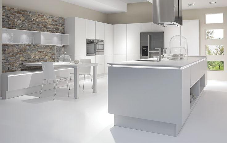Cuisine total look blanc !  http://www.cuisines-aviva.com/cuisine.html
