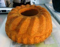 mokka-tiikerikakku 250 g voita tai margariinia 3 kkp sokeria 4 munaa 1 kkp kermaa n. 2 tl vaniljasokeria 1 1/2 tl leivinjauhetta 4...