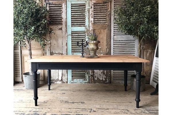 Vintage French Pine Farmhouse Table | vinterior.co