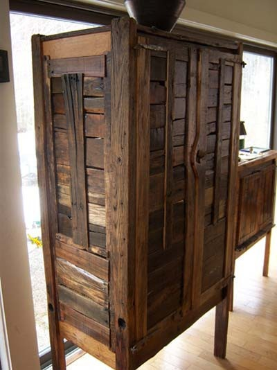Cool Stuff Made From Free Wood Pallets Hutch Made From