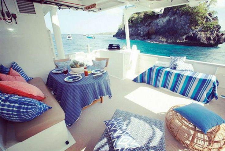 @pulauluxurycharters BOOK NOW!! Island hopping in the comfort of your own luxury cruiser ✅. Courtesy of @bestinbali in #Instagram. #pulauluxurycharters #haruku #lembongan #bali #privatecruise #yachts