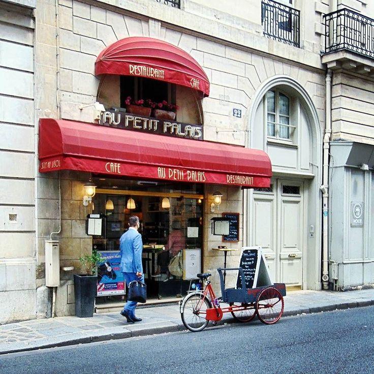 #parisjetaime #parisiloveyou #parismaville #parismonamour #igerparis #hello_france #topparisphoto #explore #exploretocreate #traveldeeper #travelingram #outsideproject #ourplanetdaily #wonderful_places #beautifuldestinations #bestvacations #loveparis #seulementparis #unlimitedparis #paris_focus_on #love_paris #streetphotography #streetfashion #topparisphoto #seemyparis