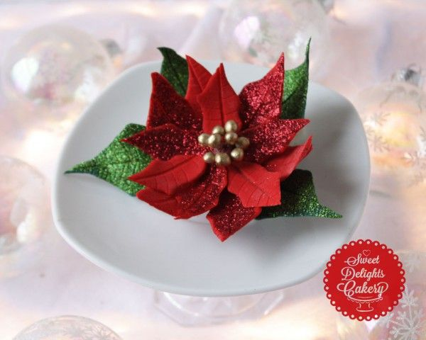 Step by step instructions on how to make a fast and easy Fondant/Gum paste Poinsettia Flower for the Holidays Follow me on: Facebook – https://www.facebook