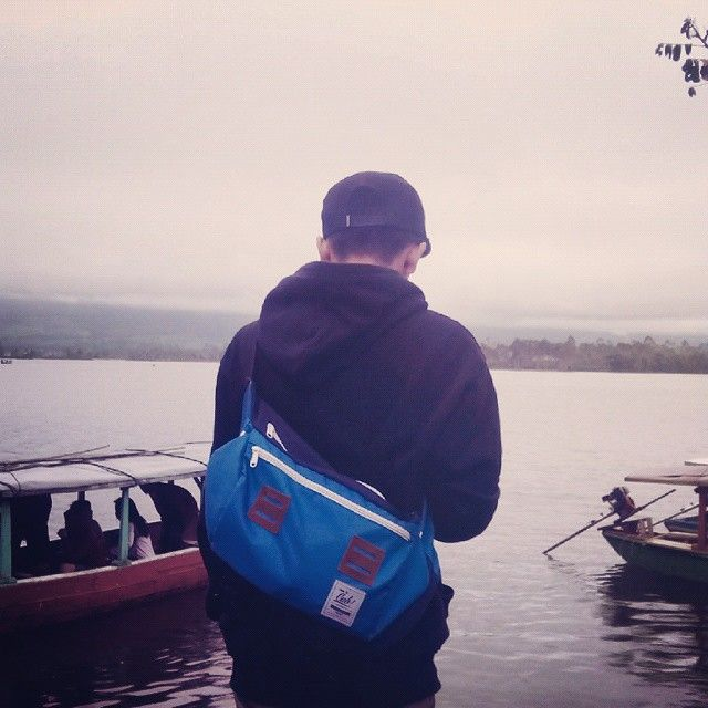 Hey Ho Let's Go!!, lets begin the journey into the depth of greatness of nature with Messenger Bag Blue Navy from @CubTravelers as your companion, bringing your belonging is easy and simple now, with style of course and you can get this famouse Messenger Bag of our just with IDR: 250,000!! what a cheap price for simplicity and style like this on your traveling time right?, #cubdignity #messengerbag #messenger #postman #bag #lifefolk