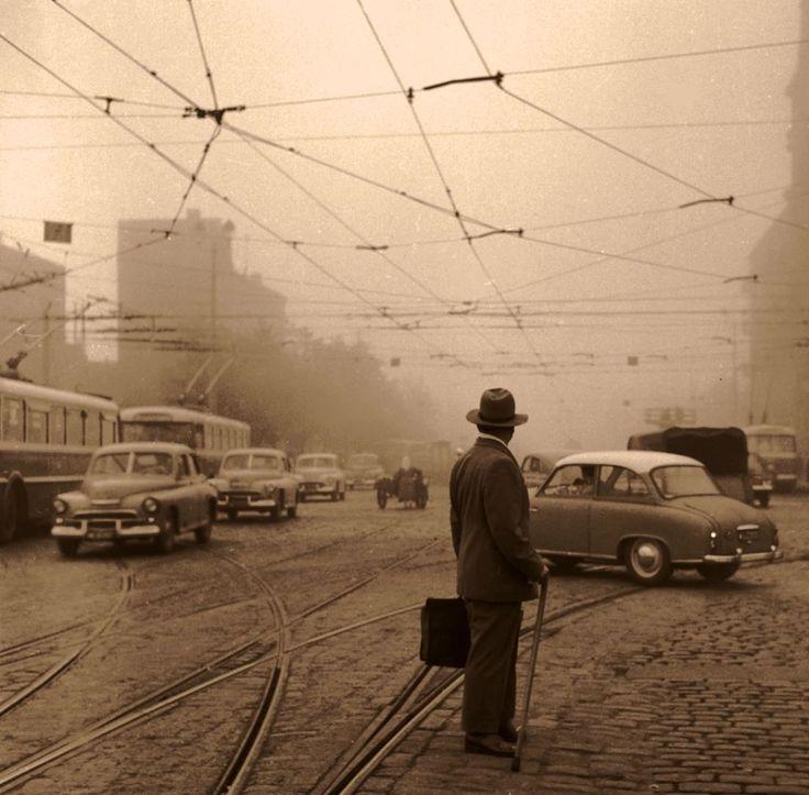 Aleje Jerozolimskie róg Chałubińskiego. fot. 1966 Jerzy Piasecki, źr. Narodowe Archiwum Cyfrowe