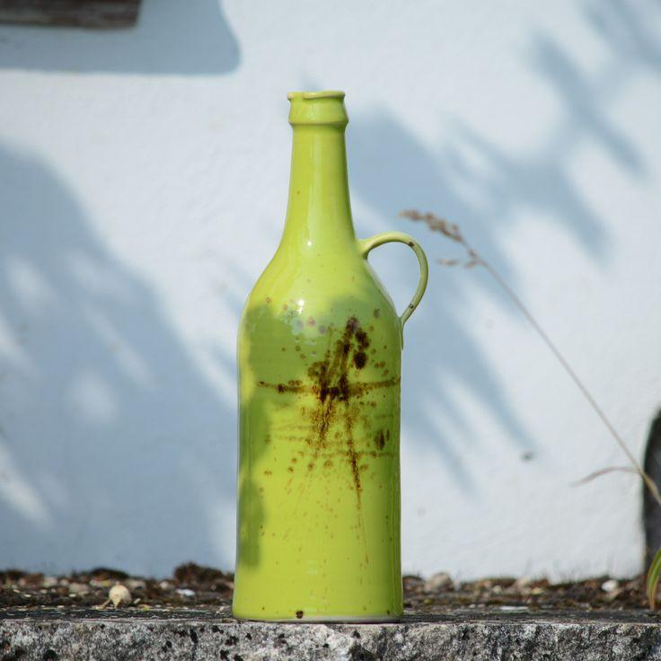"""lahev+štíhlá+Píšťala+s+hubičkou+-+Jarní+louka+Láhev+Píšťala+s+hubičkouse+narodila+v+rodině+""""Jarní+louka"""".+Dá+se+použít+jako+láhev+na+cokoliv+dobrého,+třeba+i+ostřejšího,+jako+váza+na+květiny+nebo+jen+tak+...+Má+spoustu+dalších+příbuzných.+Celá+rodinka+se+postupně+představuje+v+kategorii+Jarní+louka.+objem:+1,2+litru+výška:+cca+31+cm+dolní+průměr:+cca+9,5+..."""