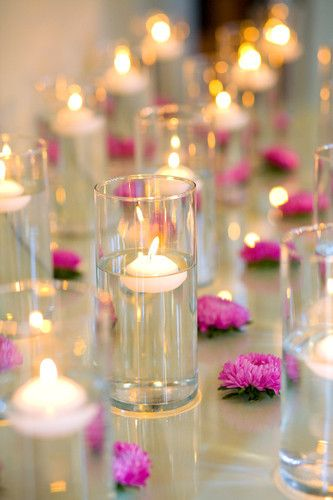 Uniformity + Simplicity = BEAUTY!: Pink Flowers, Idea, Tables Sets, Floating Candles, Simple Centerpieces, Candles Centerpieces, Fresh Flowers, Cocktails Parties, Tables Decor
