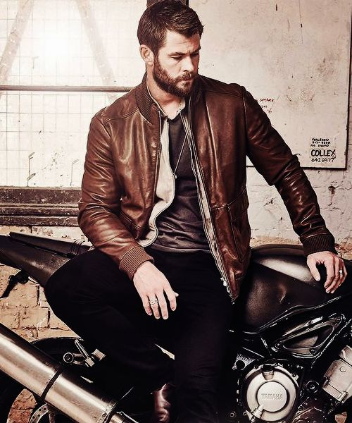 Chris Hemsworth | FOXTEL Magazine, Aug 2016