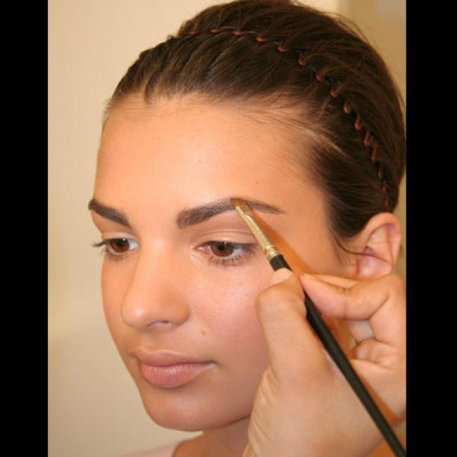 how to make my eyebrows darker naturally