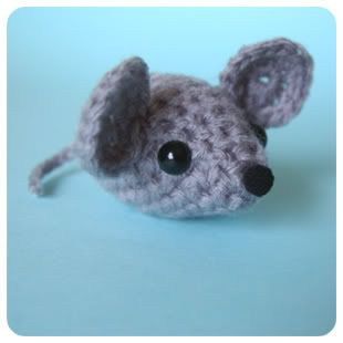A Little Mouse (first crochet project! + links to patterns) - CROCHET