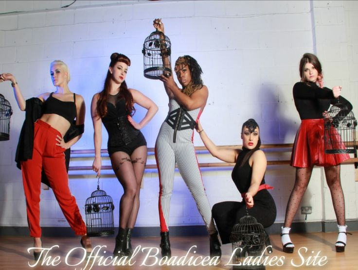 Jennifer (2nd from left) from Boadicea dance group, manged by ex Pussycat Doll Kimberly Wyatt wearing Vollers 'Mystical' 1918 corset in Black Black Chinese!!