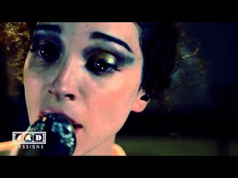 St. Vincent, 4AD Session: 1. Chloe In The Afternoon; 2. Surgeon; 3. Strange Mercy; 4. Year Of The Tiger.