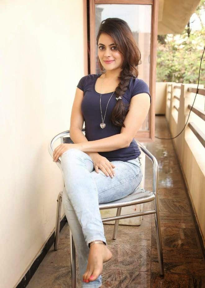Hot Punjabi Girl Celebrity Actress Shruthi Sodhi Bikini Unseen Hd Images Hd Wallpaper Uk Pinterest Sexy Actresses And Bikinis