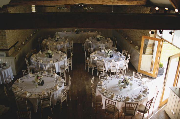Wick Farm Bath. Amazing wedding venue in Bath (England). #weddingvenues #weddingdecoration #weddingtables www.cristinaruizfoto.com