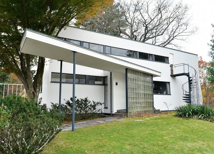 Walter Gropius and Bauhaus Architecture Photos | Architectural Digest